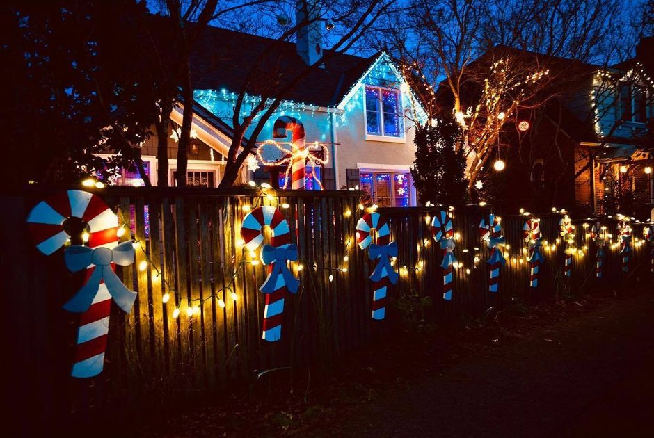 Where Can I Drive To See Neighborhood Christmas Lights Near Puyallup Washington 2021 Your Guide To A Socially Distanced Weekend In Seattle Holiday Lights Washington Pint Day A New Capitol Hill Bookstore And More Everout Seattle