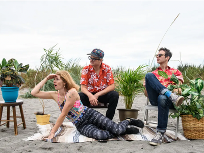 """Catch indie-pop sibling outfit Warren Dunes at <a href=""""https://everout.com/seattle/events/zootunes/e100249/"""">ZooTunes</a> on Wednesday and <a href=""""https://everout.com/seattle/events/warren-dunes-shaina-shepherd-black-ends/e100944/"""">the Neptune</a> on Saturday."""